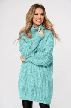 Lightgreen sweater with turtle neck with easy cut knitted fabric from thick fabric casual