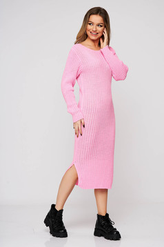 Lightpink dress from elastic fabric from striped fabric with tented cut knitted midi