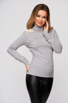 Sweater grey from elastic and fine fabric from striped fabric tented turtleneck with pearls