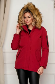 Red jacket short cut detachable hood with faux fur accessory