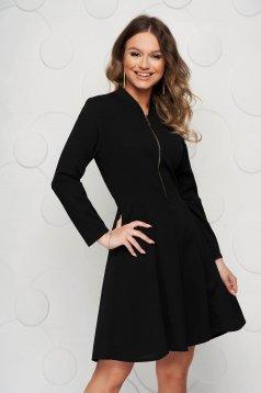 Rochie SunShine neagra scurta de party in clos din material elastic accesorizata cu fermoar