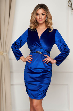 Blue dress velvet occasional wrap over front metallic chain accessory