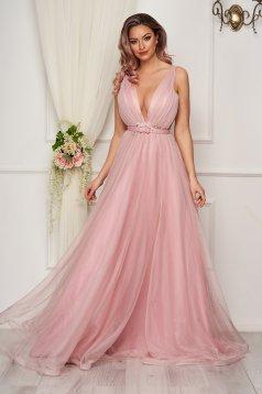 Rochie roz deschis de seara din tul in clos cu corset la spate