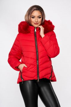 Red jacket casual short cut from slicker detachable hood