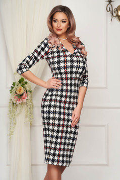 Rochie StarShinerS office midi tip creion din material gofrat cu decolteu in v in carouri