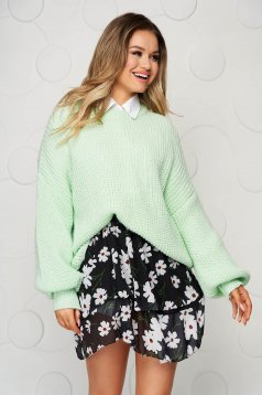 Lightgreen sweater knitted with puffed sleeves loose fit