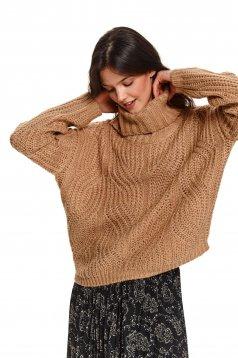 Pulover Top Secret maro-deschis tricotat cu croi larg pe gat cu cusaturi in material