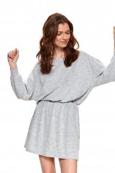 Rochie Top Secret gri-deschis tricotata clos cu elastic in talie si maneci bufante