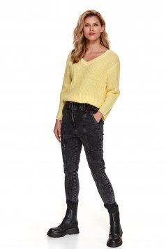 Pulover Top Secret galben din tricot elastic cu croi larg cu decolteu in v