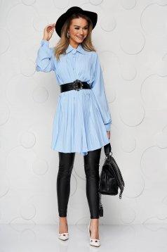 Camasa dama SunShine albastra din material vaporos si transparent plisata cu o curea din imitatie de piele