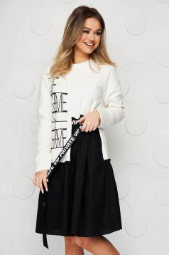 White dress elastic cotton with ruffle details loose fit with graphic details