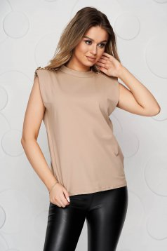 Cream t-shirt loose fit elastic cotton with padded shoulders metallic chain accessory