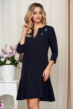 StarShinerS darkblue cloth without clothing dress with v-neckline accessorized with breastpin