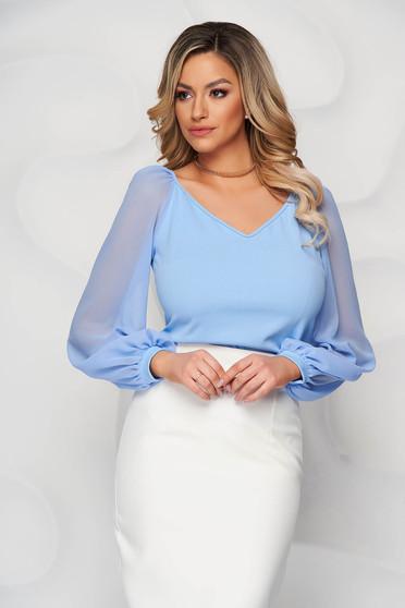Bluza dama StarShinerS albastru-deschis eleganta cu un croi mulat cu decolteu in v si maneci transparente