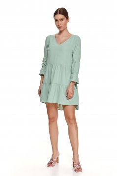 Lightgreen dress loose fit with v-neckline long sleeved