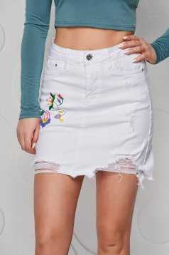 White skirt denim high waisted pencil small rupture of material embroidered