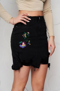 Black skirt denim high waisted pencil small rupture of material embroidered