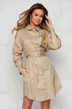 Cream dress poplin, thin cotton accessorized with belt embroidered