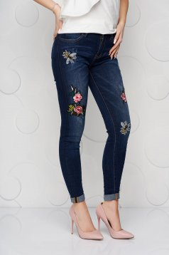 Blue jeans denim skinny jeans high waisted with embroidery details
