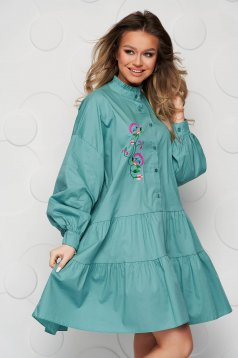Green dress cotton loose fit with ruffle details embroidered
