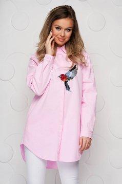 Camasa dama SunShine roz din bumbac subtire cu insertii de broderie cu croi larg