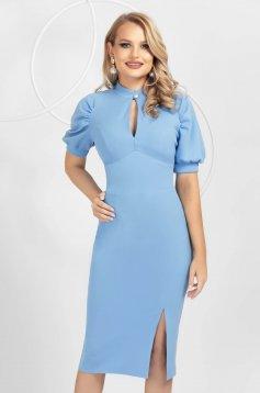 Rochie PrettyGirl albastru-deschis din material elastic tip creion cu maneci bufante slit frontal si decolteu tip lacrima