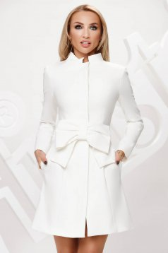 Ivory overcoat with bow accessories cotton
