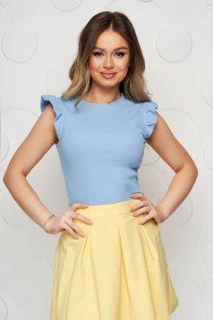 Tricou SunShine albastru-deschis casual din material elastic si reiat cu umeri cu volum