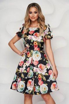 Rochie neagra eleganta cu imprimeu floral in clos din material satinat neelastic