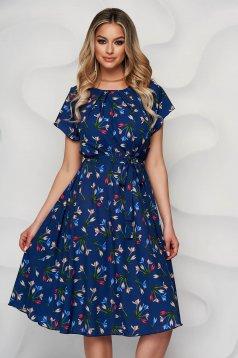 Rochie albastru-inchis cu imprimeu floral cu croi in a din material subtire si vaporos
