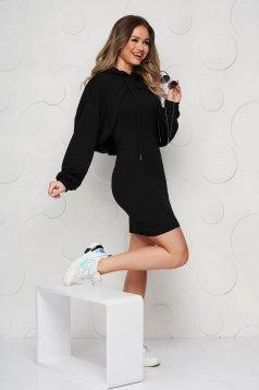 Rochie SunShine negru casual cu decolteu rotunjit din material usor elastic cu hanorac detasabil