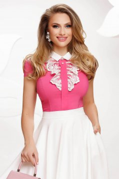 Camasa dama Fofy roz din bumbac cambrata cu aplicatii de dantela eleganta