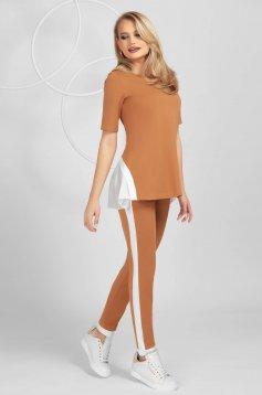 Trening PrettyGirl maro mulat din material elastic cu insertii de voal și maneca scurta