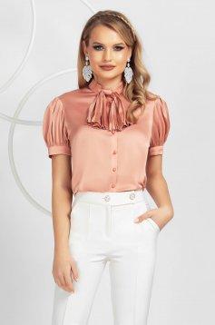 Bluza dama PrettyGirl roz prafuit eleganta cu croi larg din satin cu jabou plisat