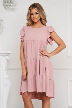Lightpink dress loose fit with ruffle details from elastic and fine fabric