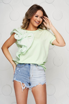 Bluza dama SunShine verde-deschis din bumbac usor elastic cu croi larg si volanase