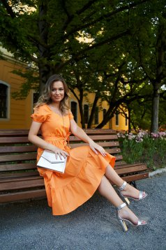 Orange dress midi cloche accessorized with tied waistband with puffed sleeves