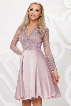 Rochie Artista roz deschis din tul de ocazie in clos aplicatii cu dantela si paiete