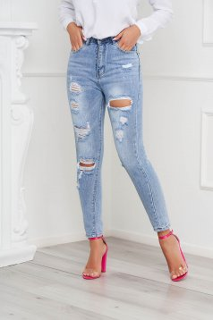 Blue jeans skinny jeans long small rupture of material