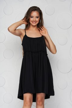 Black dress thin fabric loose fit with straps with rounded cleavage airy fabric
