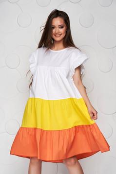 Rochie alba cu galben din material vaporos si subtire cu croi larg midi cu volanase