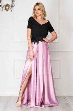 Rochie Artista roz deschis din satin de ocazie in clos crapata pe picior pe umeri accesorizata cu pietre stras