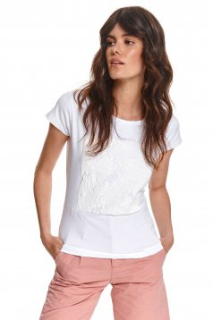 White t-shirt cotton loose fit with rounded cleavage