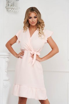 Lightpink dress midi cloche with elastic waist airy fabric with ruffle details