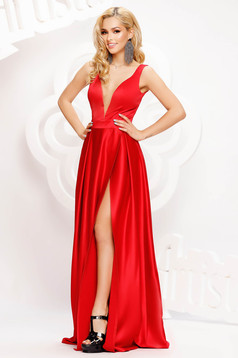 Red dress occasional long cloche from satin with deep cleavage
