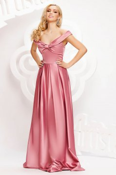 Lightpink dress long cloche from satin naked shoulders with bow