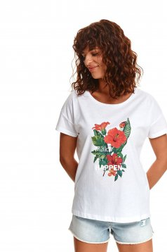 White t-shirt cotton loose fit with rounded cleavage with graphic details