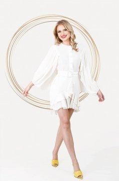 Rochie PrettyGirl ivoire eleganta scurta in clos din material vaporos cu maneci ample
