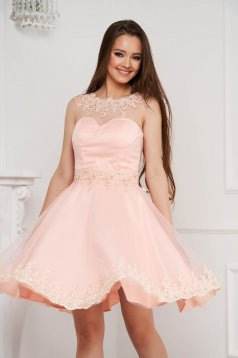 Lightpink dress short cut cloche from tulle with pearls with embellished accessories
