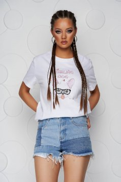White t-shirt cotton loose fit with rounded cleavage with sequin embellished details
